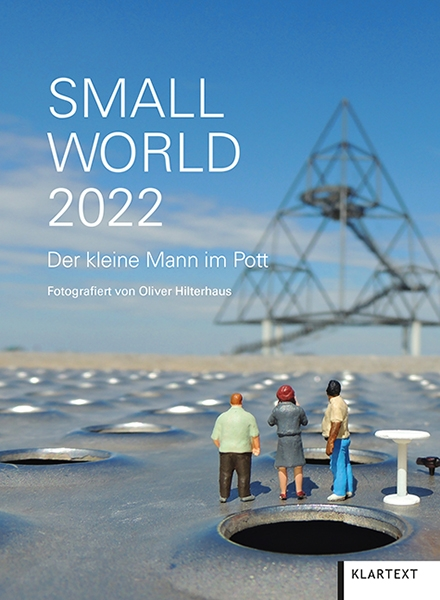 Small World 2022
